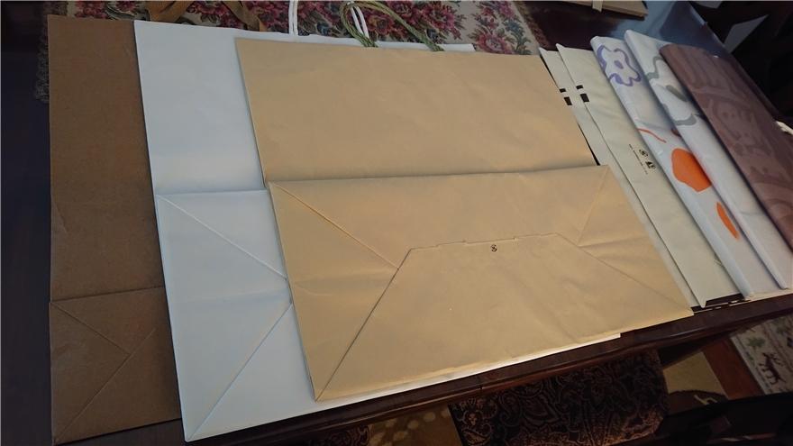 マチが大きい紙袋2